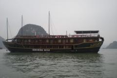 Halong-Bay-2011-25