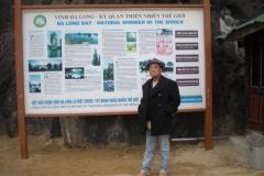 Halong-Bay-2011-27
