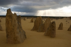 The-Pinnacles-Desert-2010-7