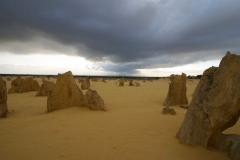 The-Pinnacles-Desert-2010-8